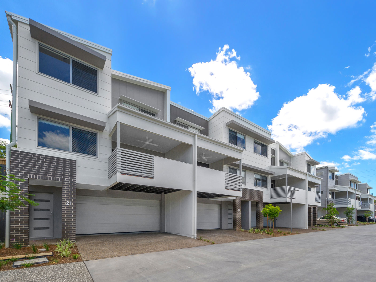 Wattle Grove - Luxury townhouses with double car garages