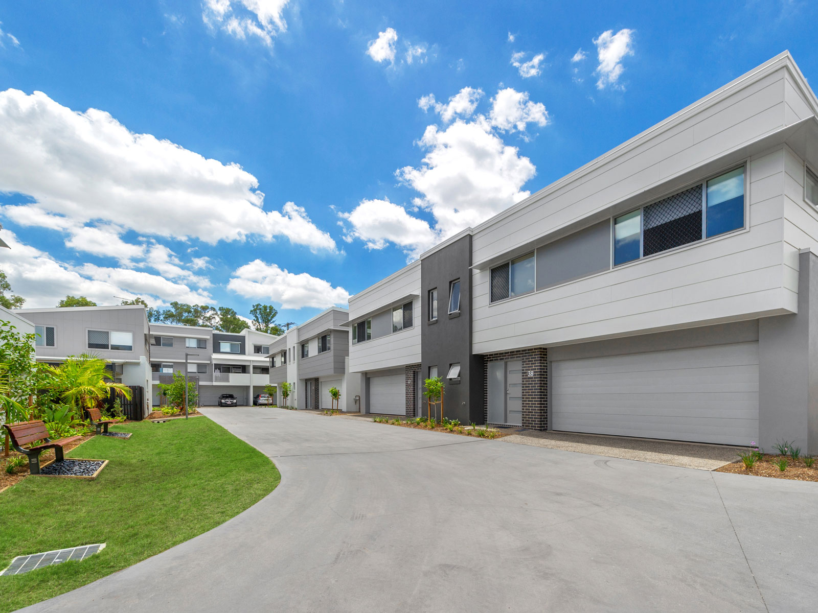 Wattle Grove luxury townhouses - front facade